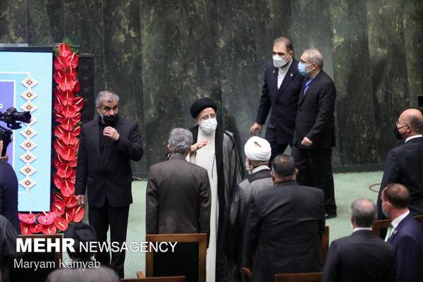 روحانی با چه ماشینی به مراسم تحلیف رفت /ناطق آمد، لاریجانی غایب بود