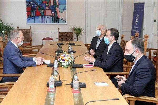 دیدار سفیر ایران با رئیس گروه دوستی پارلمانی کرواسی با ایران