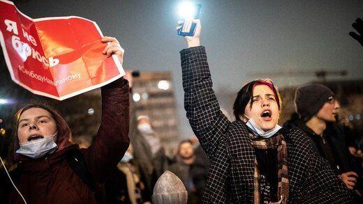 ولنتاین سیاسی در روسیه؛ شمعهای قلبی و نور موبایل برای ناوالنی