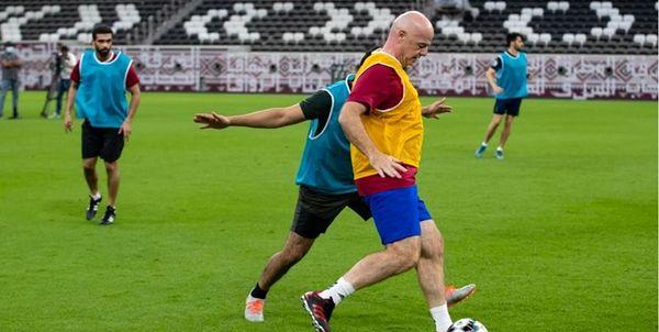 پا به توپ شدن رئیس فیفا در ورزشگاه+عکس