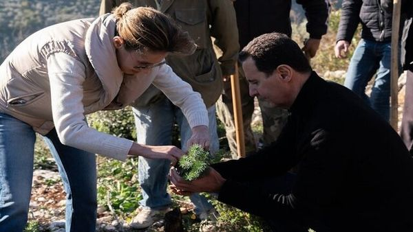 درختکاری بشار اسد و همسرش در طرطوس + عکس
