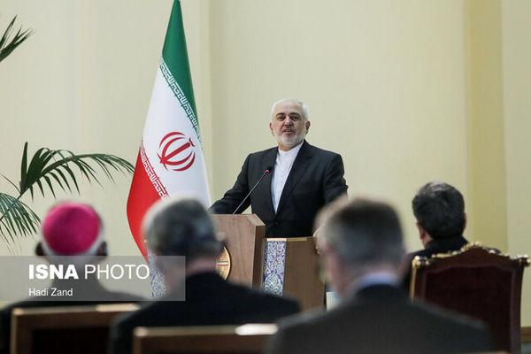 ظریف: هر کس مردم ایران را تهدید کرده به زبالهدان تاریخ پیوسته است