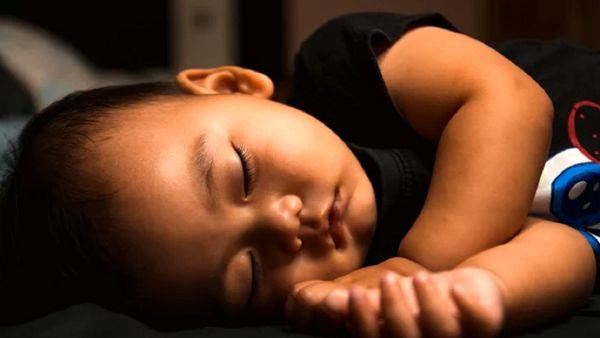 صحنه ای وحشتناک روی تخت یک کودک!+ عکس