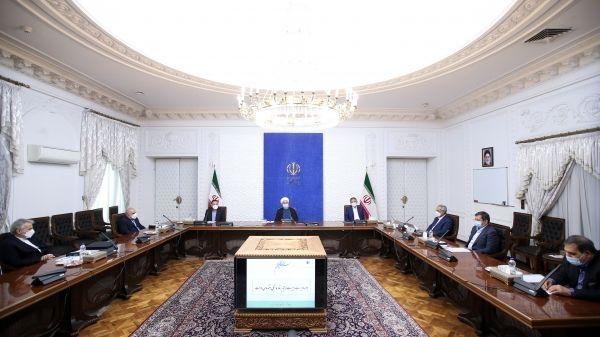 روحانی: ساختار اقتصاد دولتی برای اداره مناطق آزاد آسیب زا خواهد بود