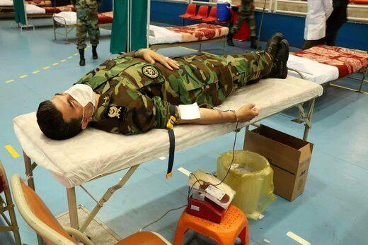 عکس | کار انسانی مهم ارتشیها در روز رژه متفاوت
