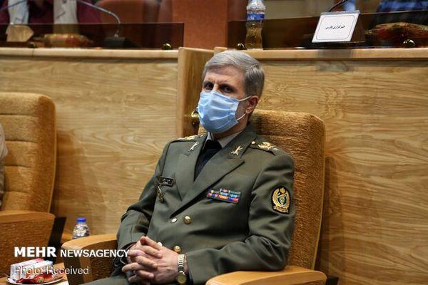 وزیر دفاع: موشکهای کروز هوایی در مرحله آزمایش هستند