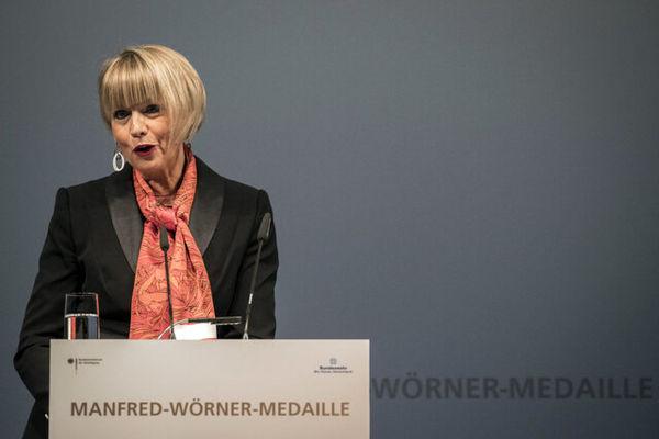 هلگا اشمید، دبیرکل سازمان امنیت و همکاری اروپا شد