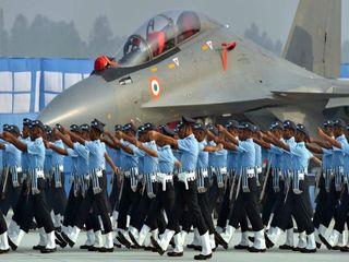تصاویر   تمرین سربازان هندی برای رژه رفتن در جشن تاسیس نیروی هوایی