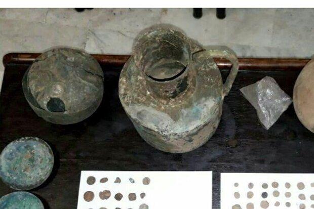 کشف ۸۰ قلم شی تاریخی و دستگیری یک قاچاقچی در گلستان