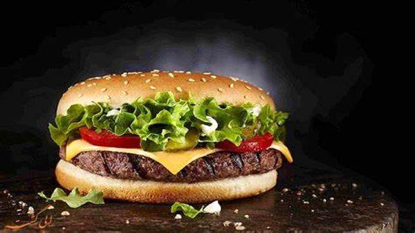 با این تست از نحوه خوردن ساندویچ شخصیت خود را بشناسید!