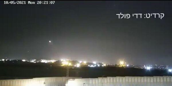 شلیک بیش از ۱۰۰ راکت از غزه به سمت فلسطین اشغالی