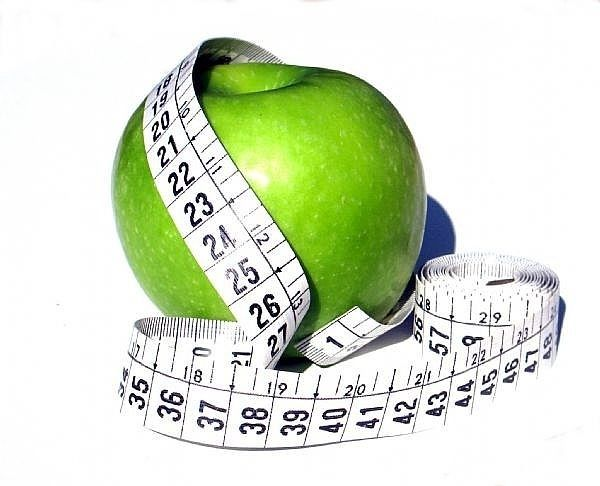 ۱۲ توصیه برای اینکه در تعطیلات چاق نشویم