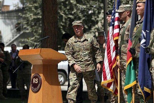 کناره گیری فرمانده نظامیان آمریکا در افغانستان