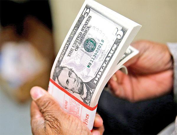 سایه احتیاط در بازار دلار