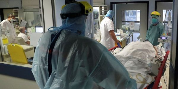 واکسن فایزر 4 عضو کادر درمانی آلمان را بستری کرد