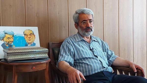 سلیمی نمین: رئیسی باید نسبت به وزرای کابینهاش هوشیارانه برخورد کند