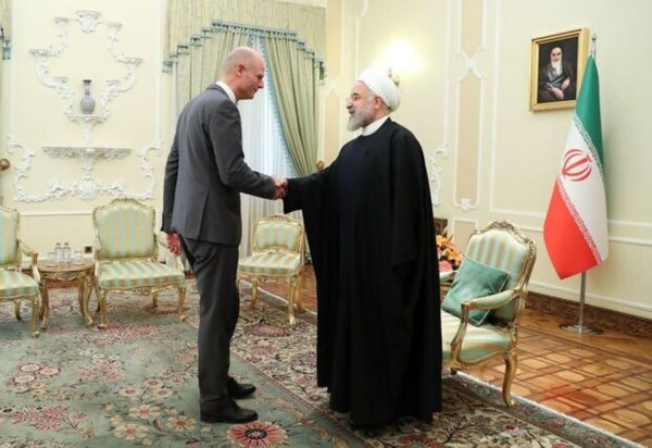 عکسی از دیدار حسن روحانی با وزیر خارجه هلند