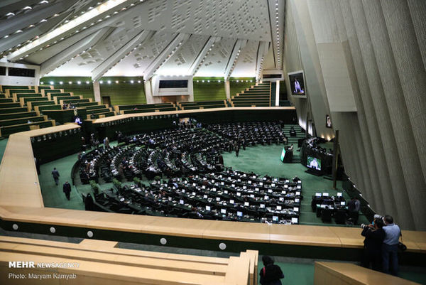 سوال از وزیر دفاع در دستور کار امروز مجلس