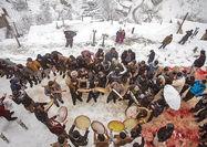 تماشای یک مراسم اصیل زیر برف