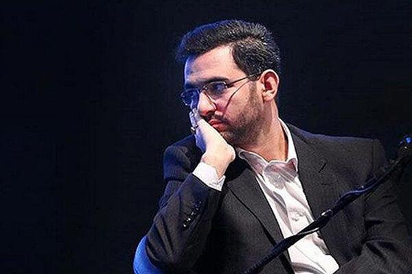 تمجید آذری جهرمی از فرهاد مجیدی با کنایه به سیاسیون