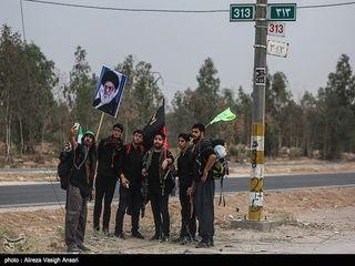 تصاویری از پیاده روی زائران اربعین حسینی