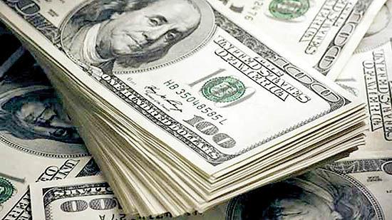 عبور دلار از ریسکهای سیاسی؟