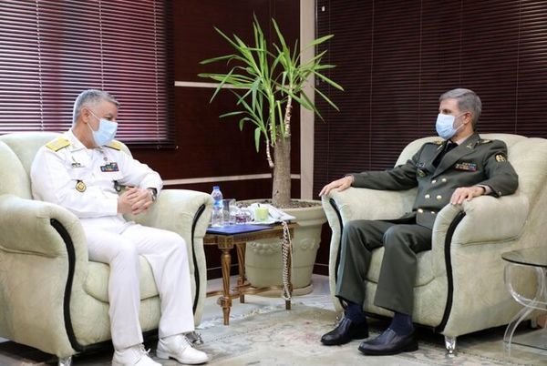 در دیدار فرمانده نیروی دریایی ارتش با وزیر دفاع چه گذشت؟