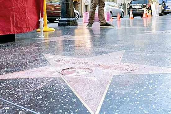 ستاره ترامپ در هالیوود دوباره شکسته شد