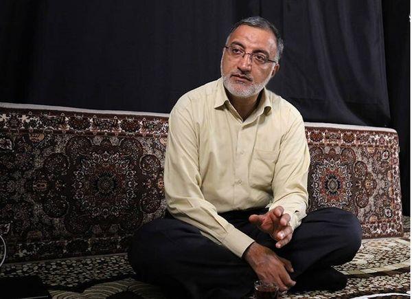 حضور علیرضا زاکانی به عنوان اولین متهم جرم سیاسی در جمهوری اسلامی در دادگاه