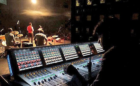 همکاری ۴۰ خواننده ایرانی در یک پروژه جهانی