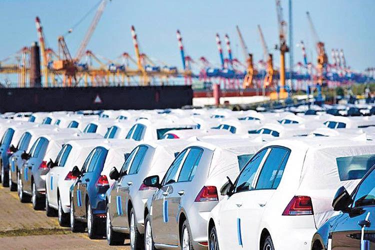 چرا واردات خودرو از لایحه بودجه حذف شد؟
