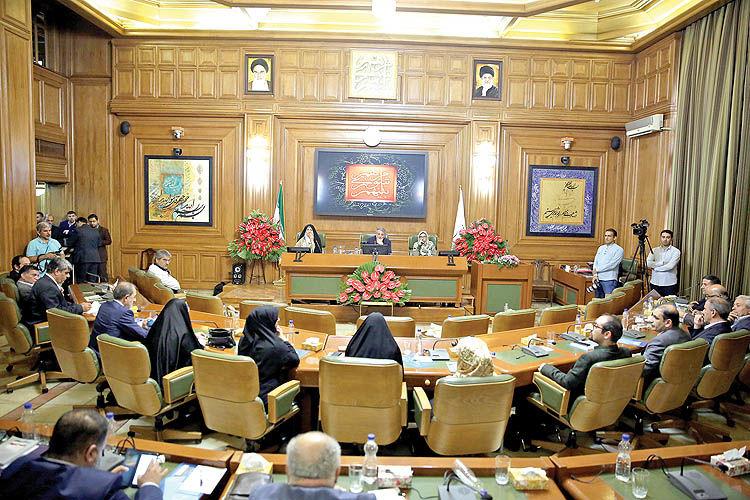 پارلمان پایتخت  در تله مجوزدهی