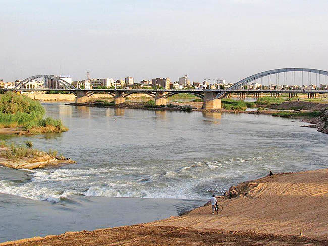 70 درصد از اراضی بستر رودخانه کارون تحت تصرف هستند
