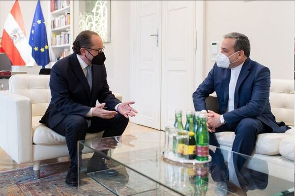 عراقچی با وزیر خارجه اتریش دیدار کرد