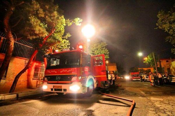 آتش سوزی در یک مجتمع مسکونی در شهرک غرب