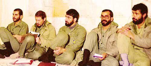 نقش رهبر معظم انقلاب اسلامی در شکستن حصر آبادان