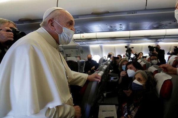 نخستین تصویر از لحظه ورود پاپ به عراق برای اولین بار+عکس