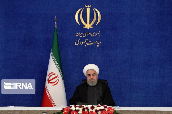 روحانی:  آنها که با قلدری مدعی بودند ایران را به زمین خواهند زد، با ذلت و سرافکندگی سرنگون شدند