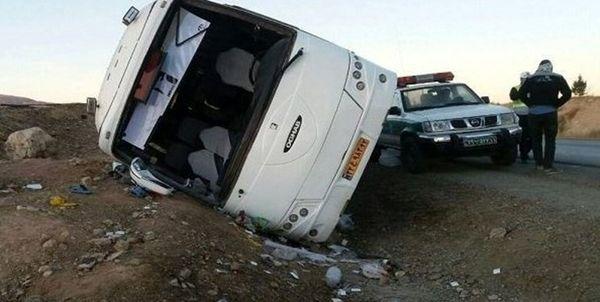 واژگونی اتوبوس در جاده تهران-مشهد