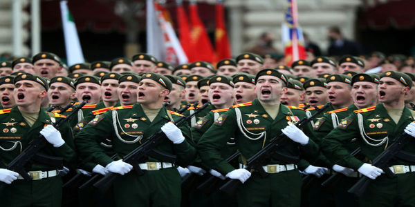 تلاش پوتین برای انحصاری کردن پیروزی بر نازیها