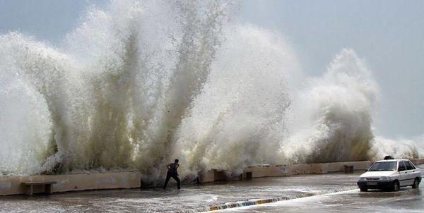 هشدار استانداری هرمزگان درباره امواج ۴ متری در دریای عمان