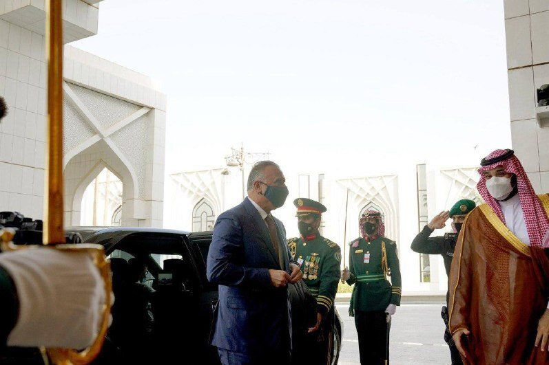 استقبال بن سلمان از الکاظمی/عکس