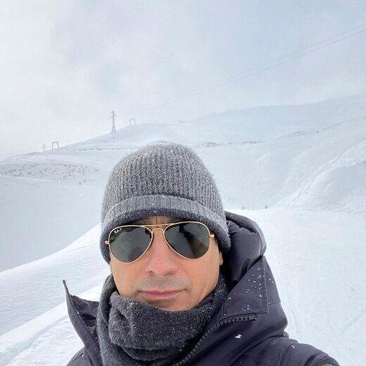 همایون شجریان به همراه نفسش در پیست اسکی