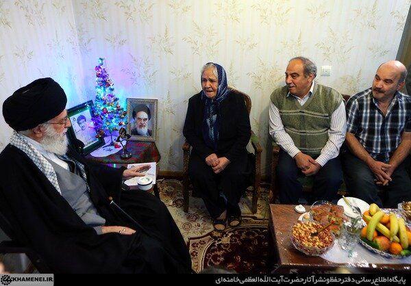 روایت خواندنی از حضور رهبر انقلاب در منزل خانواده شهید آشوری