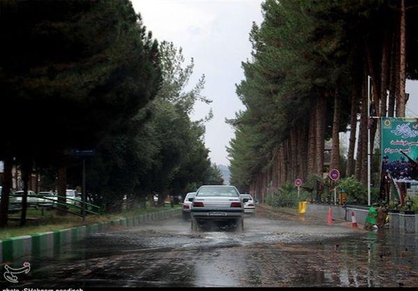 بارش برف و باران در جادههای ۲۱ استان کشور