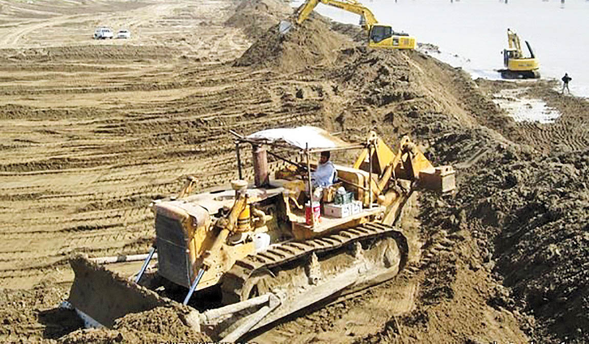 برنامه پاکسازی ساحل کارون