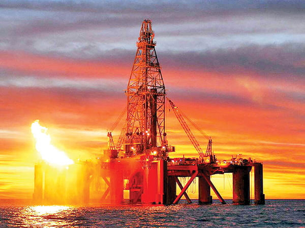 هجوم نفت خام به کانال 60 دلاری
