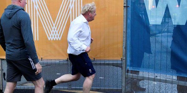 پوشش عجیب و غریب نخست وزیر انگلیس سوژه رسانهها شد