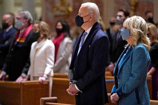 تصویری از حضور بایدن و همسرش در  کلیسا