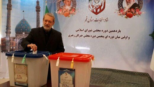 علی لاریجانی در کجا رأی خود را به صندوق انداخت؟